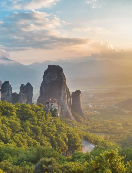 Meteora-Destination-Travelen